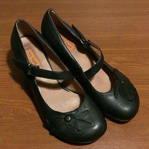 Miz Mooz black mary jane petal heels size 8.5